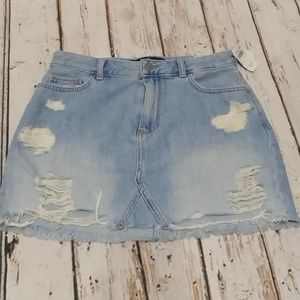 NWT  Hollister High-Rise Distressed Jean Skirt 9